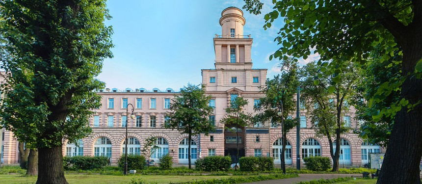 ITMO University, one of the original members of the Project 5-100. Photo: Wikicommons/Birulik.
