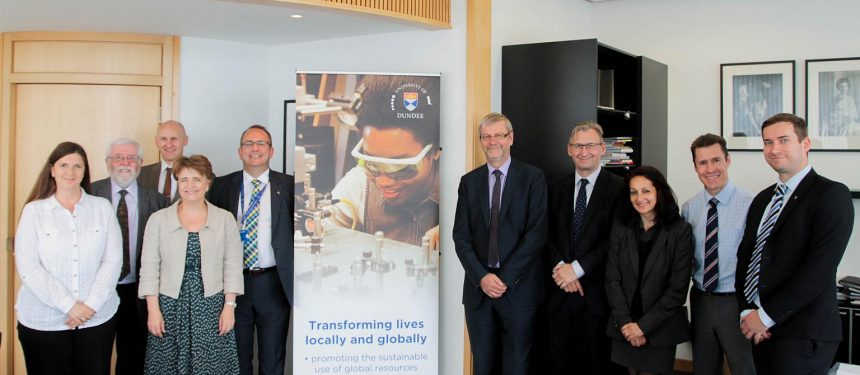 OEIG signs pathway partnership with University of Dundee on International College Dundee.