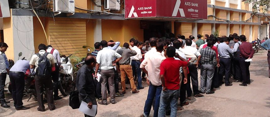 People queueuing for an ATM in Kolkata. One agent said a colleague had been spending four hours a day waiting in line to withdraw money due to delays caused by the rupee demonetisation. Photo: Biswarup Ganguly