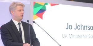 England assures EU student funding, fees through 2018