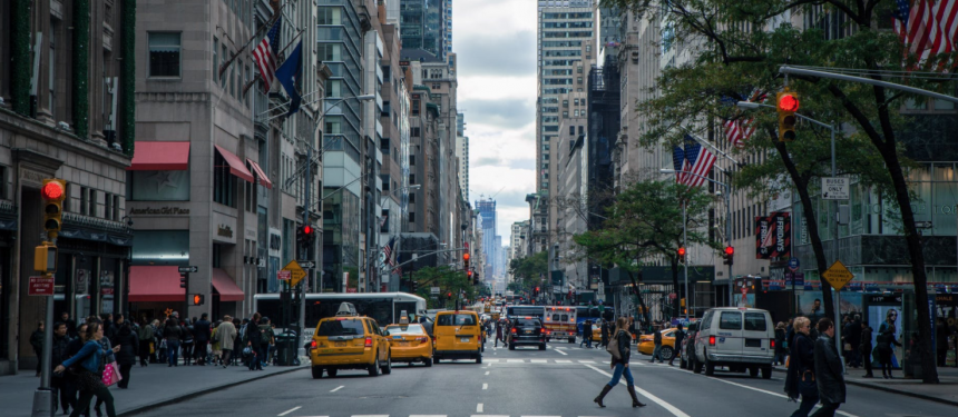 The ILSC campus is centrally located downtown in Manhattan, close to the famous Brooklyn Bridge. Photo: Pexels