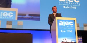 Aus: government softens position on regional placement of int'l students