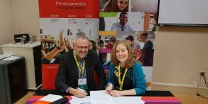 LanguageCert and IH World sign MoU on exams