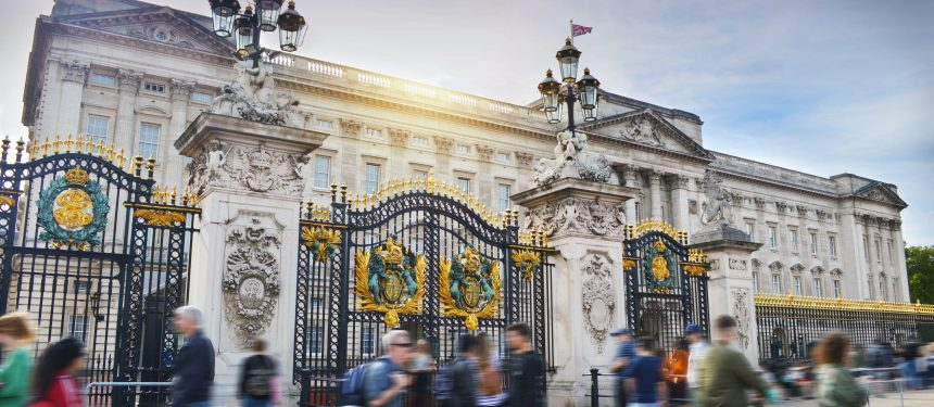 UK gov confirms work rights for dependants of postgrad students with PSW visa from 2021